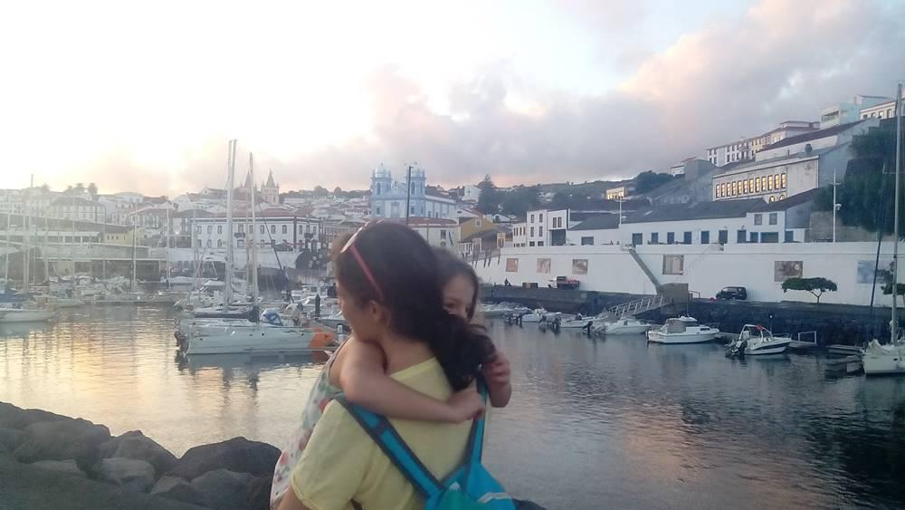 María Ermita B Viaje a la Atlantida Paseo por el puerto